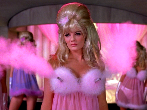 Austin-Powers-Fembots-halloween-costume-inspiration-for-apple-shaped-women