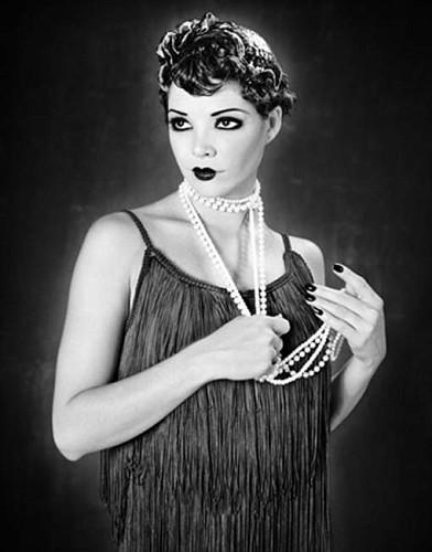 1920s-flapper-girls-halloween-inspiration