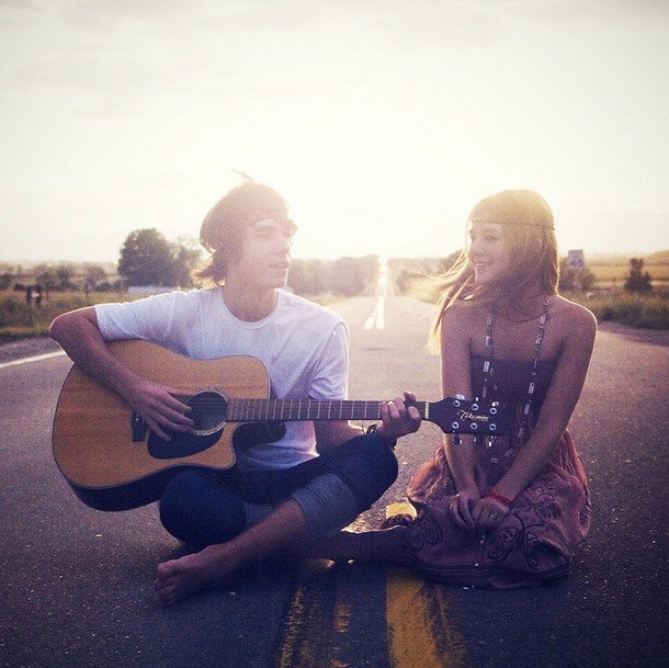 Favim.com-boy-girl-guitar-music-road-sitting-50115